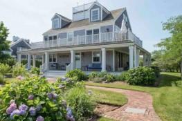 66 Hulbert Avenue – Beach House Thumbnail